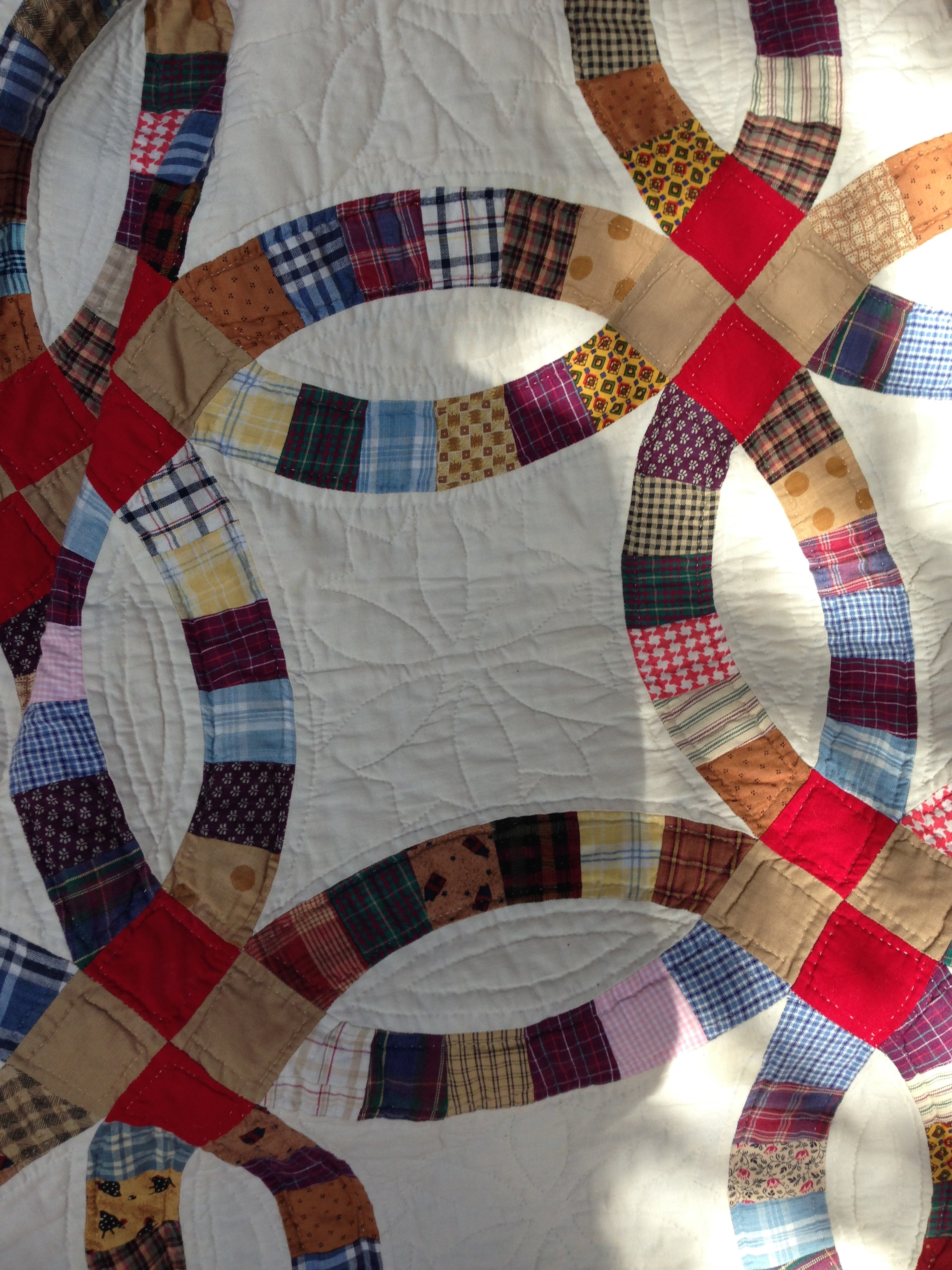 Fabrics and Styles in Double Wedding Ring Quilts. | The Plain ...