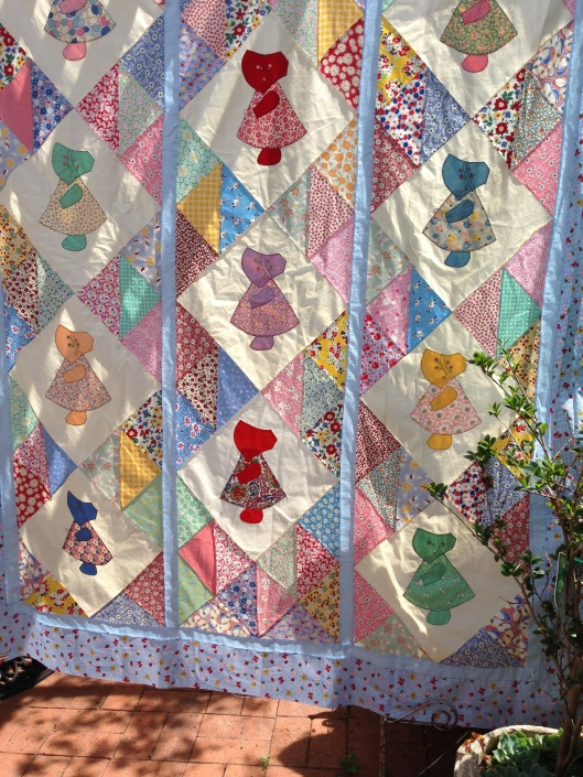 Another gorgeous Sunbonnet Sue quilt