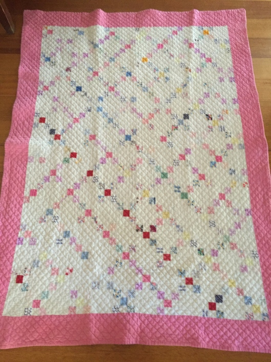 Pretty Nine Patch Crib quilt